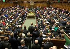 نمایندگان پارلمان انگلیس: کشور ما در شرایط فوق العاده ملی قرار دارد
