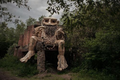 خلاقیتهای پنهان هنرمند بلژیکی در جنگل+ تصاویر