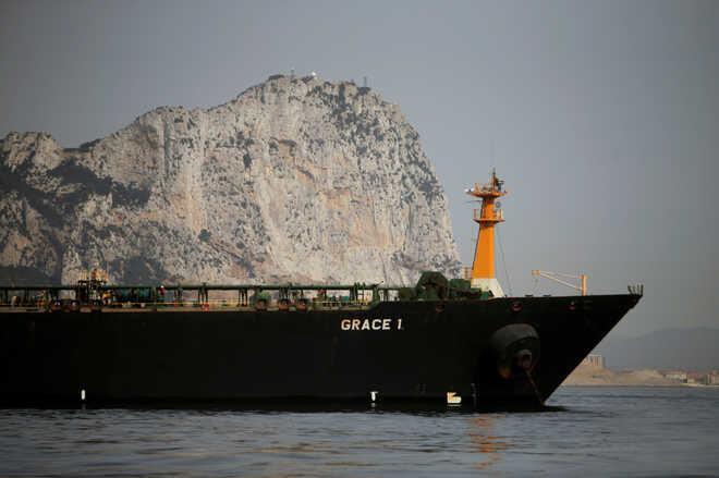 الجزیره: نفتکش ایرانی به سمت کلاماتای یونان میرود