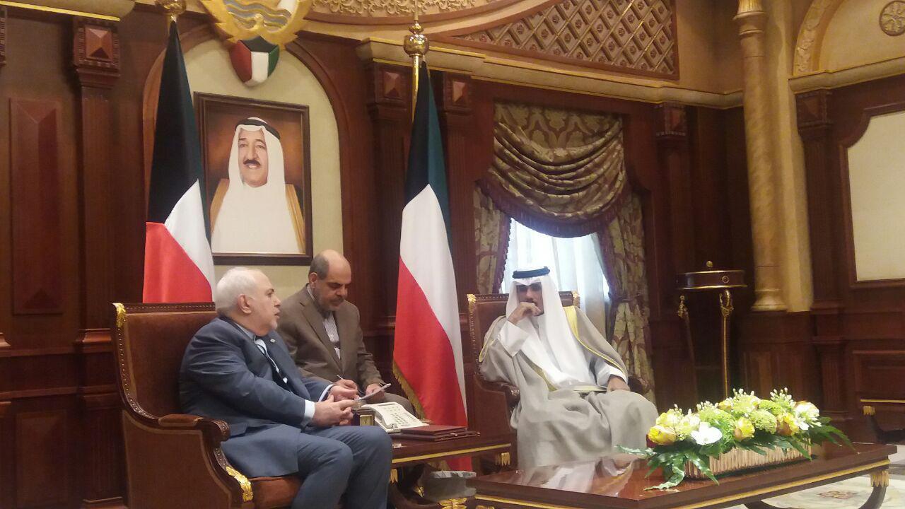 سفر یک روزه ظریف به کویت، راهبردی در جهت حل مسائل منطقه