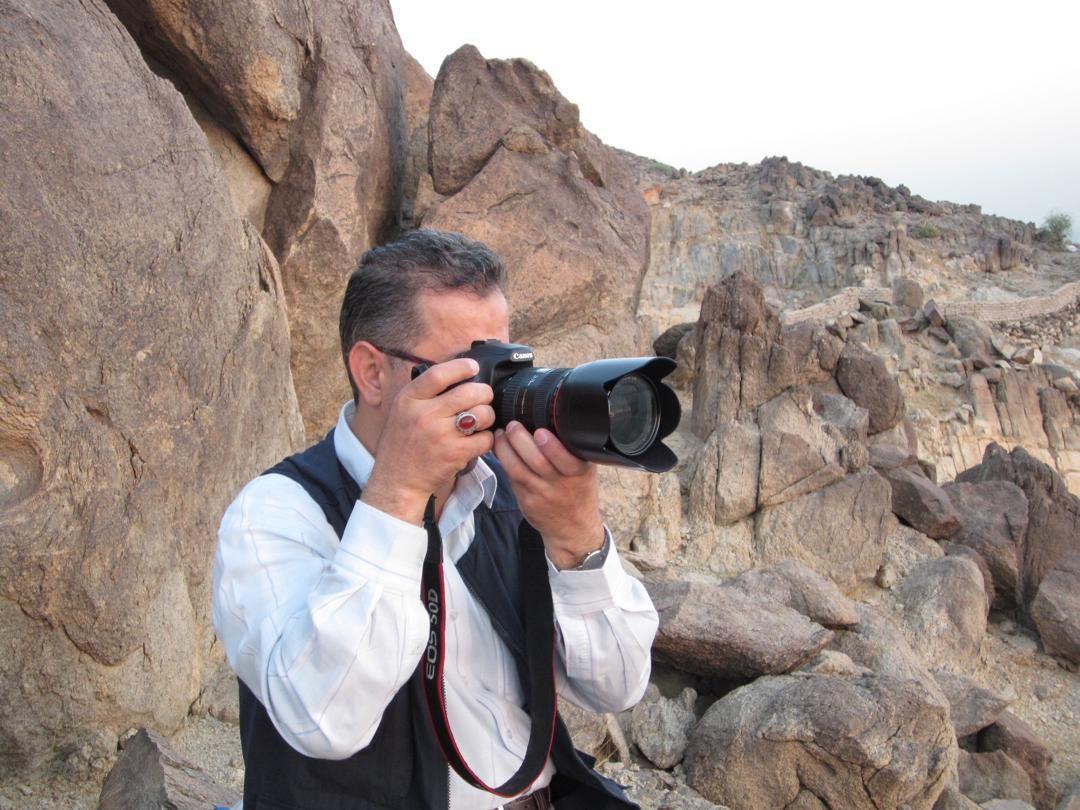 عکاسان امروزی نظاممند نیستند/ برخی از صحنههای جنگ را هیچ عکاسی نتوانست ثبت کند/ یک هفته از فاجعه منا عکاسی کردم