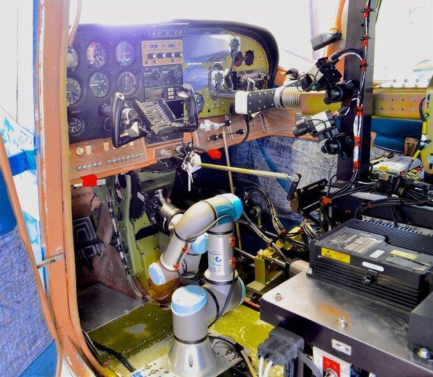 باشگاه خبرنگاران -رباتی که جایگزین خلبان هواپیما میشود