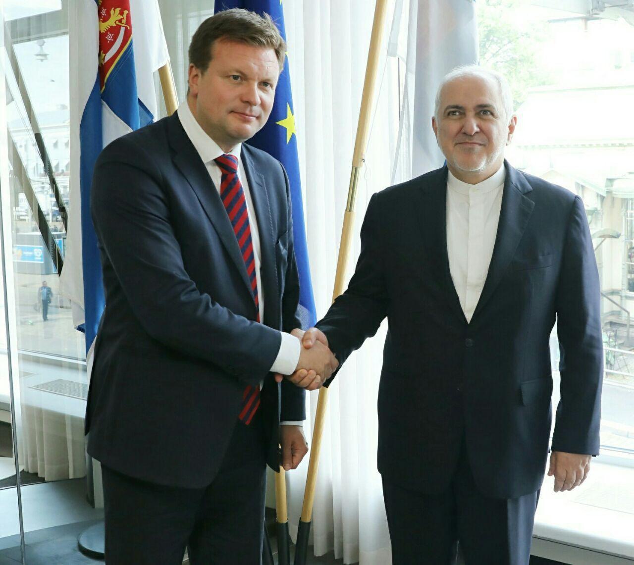 وزیر امور خارجه کشورمان و وزیر امور توسعه و تجارت خارجی فنلاند در هلسینکی دیدار کردند