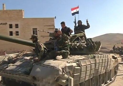 درگیری شدید ارتش و تروریستها در فرودگاه خان شیخون سوریه