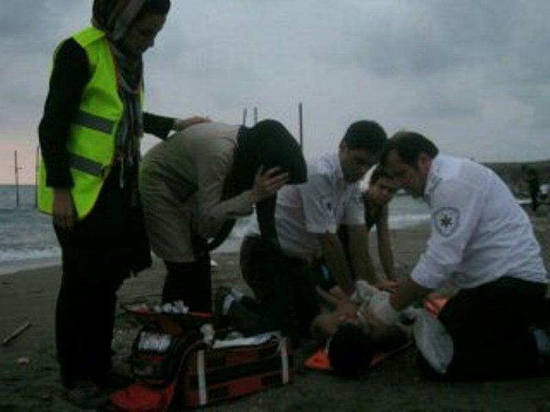 استقرار ۵۴ پایگاه ساحلی اورژانس در خطه شمالی کشور/ جاده دسترسی برای رفت و آمد آمبولانسها در سواحل جنوبی وجود ندارد.