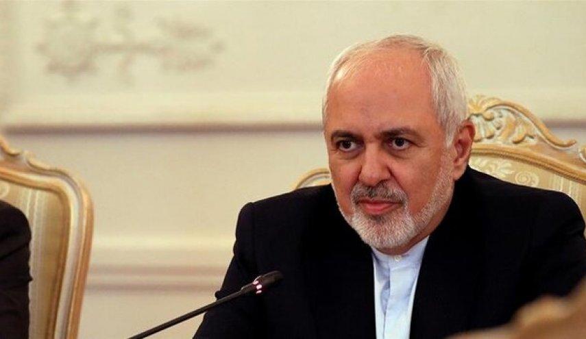 مردم ایران با وجود ناملایمات ایستاده اند/ ما مدیون همه مردم هستیم