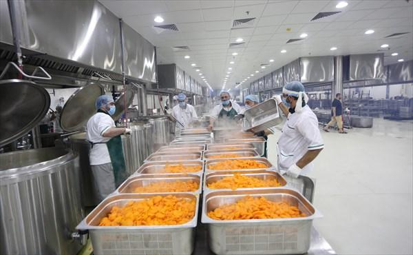 باشگاه خبرنگاران -پخت روزانه ۱۶۸ هزار پرس غذا به صورت روزانه برای زائران