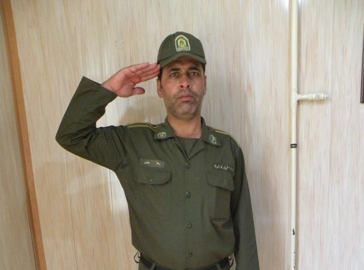 مسنترین سرباز ناجا با ۴۳ سال در زنجان / انجام خدمت سربازی پدر بعد از پسر