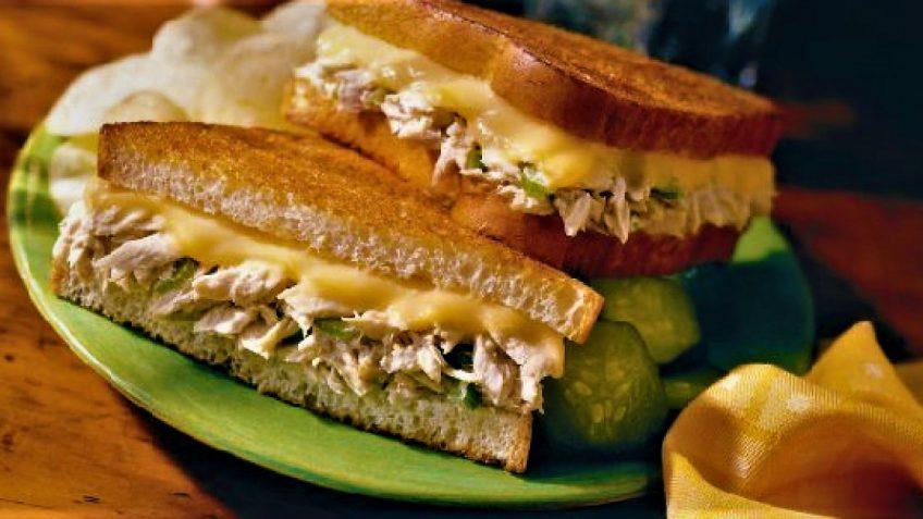 باشگاه خبرنگاران -طرز تهیه یک ساندویچ خوشمزه با ماهی تن
