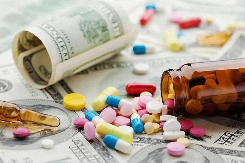 هفته آينده؛ رفع داروى حیاتی بیماران پیوند کلیه و روماتیسمی/ ٩٠ درصد ماده اولیه دارو در دنیا چینی و هندی هستند