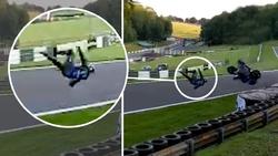 زنده ماندن راکب موتور پس از حادثه خطرناک + فیلم