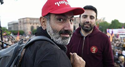 وقتی نخست وزیر ارمنستان راهنمای گردشگران خارجی شد + فیلم