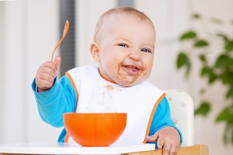 غذاهای مقوی و خوشمزه برای نوزادان بالای ۶ ماه