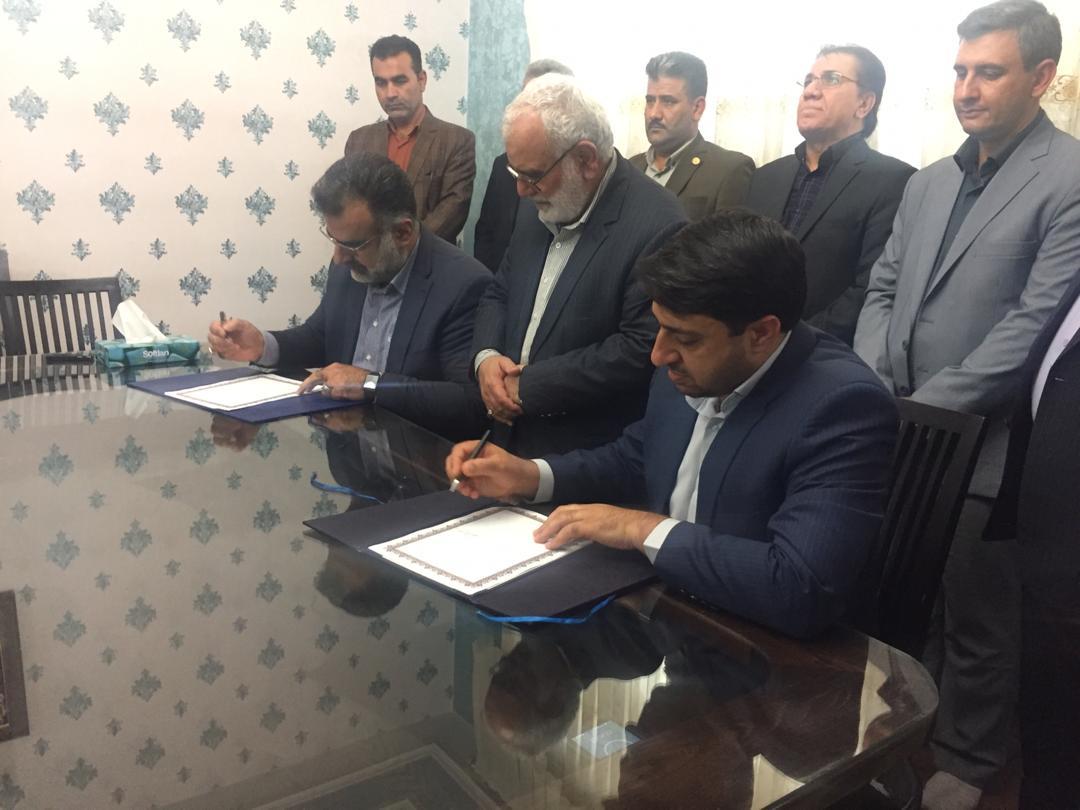 امضاء تفاهم نامه ساخت هزار و ۲۴ گلخانه در فارس