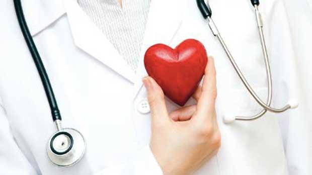 گزارش روز پزشک//////////خطر بد بین شدن مردم به جامعه پزشکی/