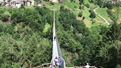 گزارش موبایلی حمید معصومینژاد از مرتفعترین پل معلق اروپا + فیلم