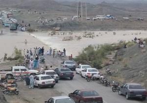 طغیان رودخانهها ۵ محور مواصلاتی در جنوب سیستان و بلوچستان را بست / راه ارتباطی ۴۰ روستا همچنان مسدود