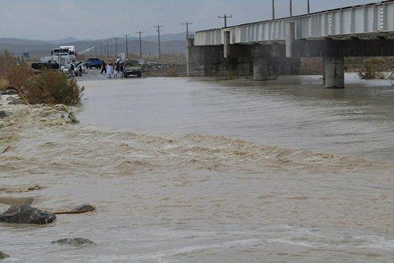 مسدود شدن ۷راه ارتباطی در جنوب سیستان وبلوچستان / امدادرسانی به افراد حادثه دیده ادامه دارد