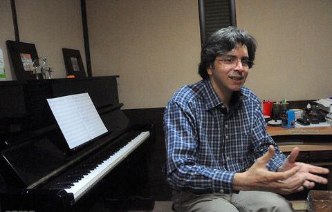 آهنگساز «پدرسالار»، «خونه مادربزرگه» و «شبهای برره» در تلویزیون