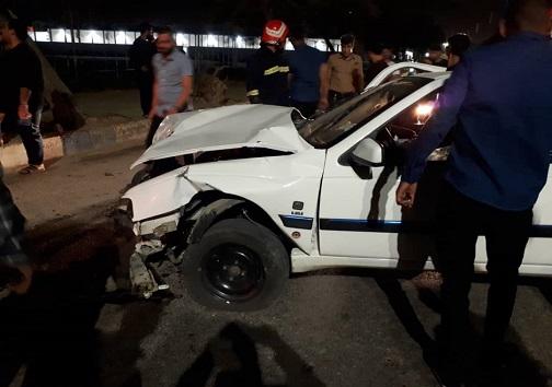 واژگونی یک دستگاه خودروی ۴۰۵ در خرمشهر