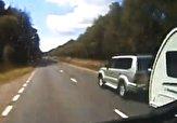 باشگاه خبرنگاران -واژگونی وحشتناک خودروی شاسی بلند وسط بزرگراه + فیلم