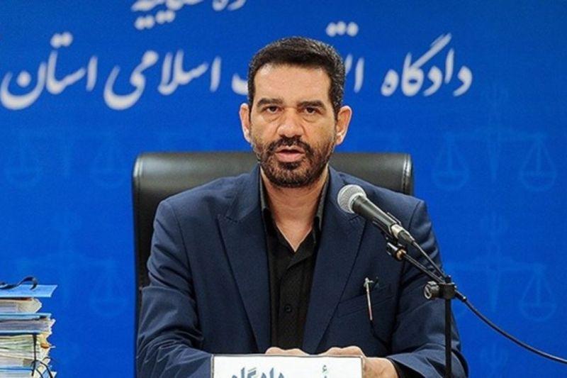 قانون گذاری ایران مبتنی بر جرایم اقتصادی نیست/ فساد اقتصادی در کشور ما سازمان یافته است/ ۸۰ درصد مجرمان اقتصادی کارمندان دولتی هستند