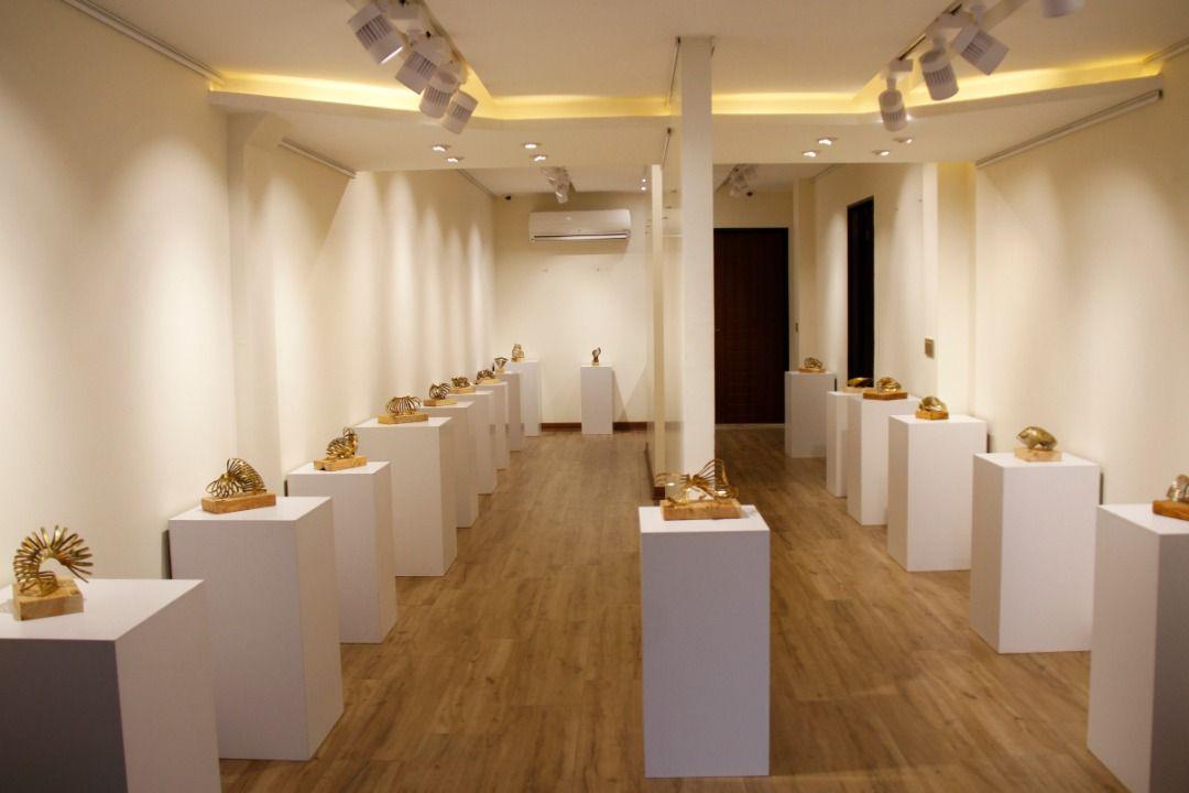 نمایشگاه مجسمههایی که برپایه خط شکل گرفته اند
