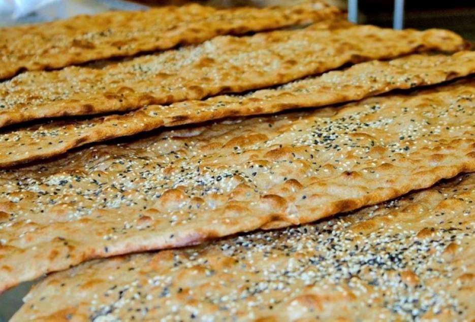 /// پس از تایید آقای عابد منتشر شود/////////نمایه و موضوع خب راصلاح شود////تفاوت نانوایی آزاد پز و دولتی پز در چیست؟/ اسفنانی: نانواییها طبق قانون باید نرخ نامه داشته باشند