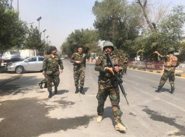 وقوع انفجار مهیب نزدیک سفارت آمریکا در کابل/ دستکم ۱۲ نفر کشته و زخمی شدند