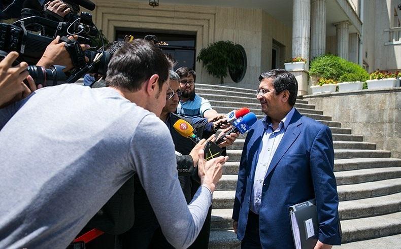 سفر رئیس بانک مرکزی به کرمان با چراغ خاموش!