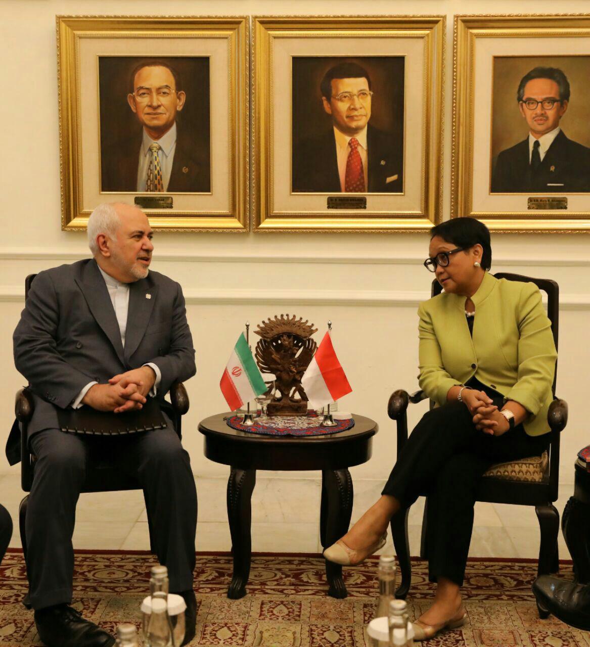 دیدار و گفتوگوی وزرای امور خارجه جمهوری اسلامی ایران و اندونزی