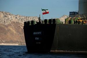 عطوان: کشورهای عرب خودفروخته باید از تصمیم شرافتمندانه کاپیتان نفتکش ایرانی درس بگیرند
