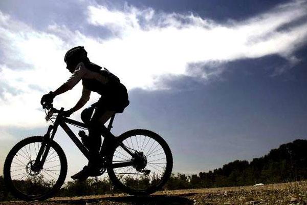 افتخار آفرینی در ازای واگذاری دوچرخه قرضی به سبک فدراسیون دوچرخه سواری