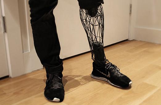 محققان در تلاش برای ایجاد حس لامسه در اندام مصنوعی و رباتیک