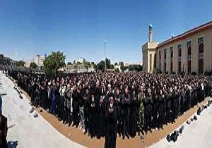 اقامه پر شکوه نماز ظهر عاشورا در آذربایجان شرقی