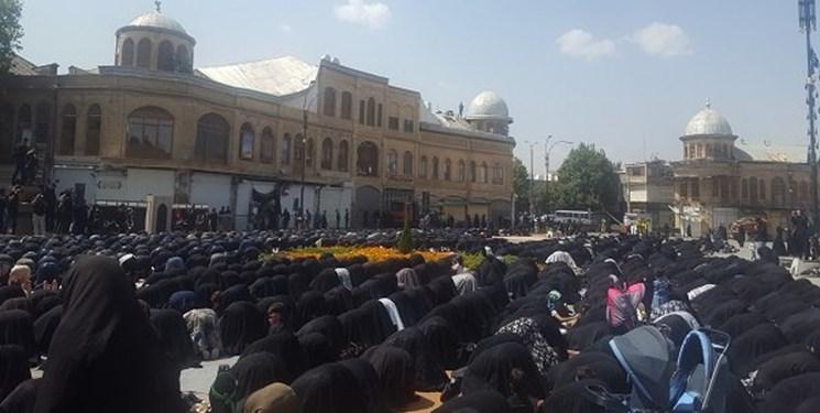 نماز ظهر عاشورا در میدان مرکزی شهر همدان اقامه شد