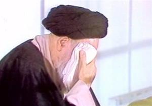 روضه ای که هر وقت برای امام خمینی (ره) خوانده میشد، شانههایشان از گریه میلرزید + فیلم