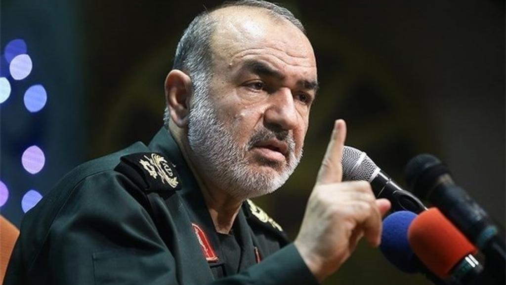 امنیت در خلیج فارس با حضور نیروهای مسلح برقراراست/ قدرت اسلام، غروب تمدن غرب را نوید می دهد