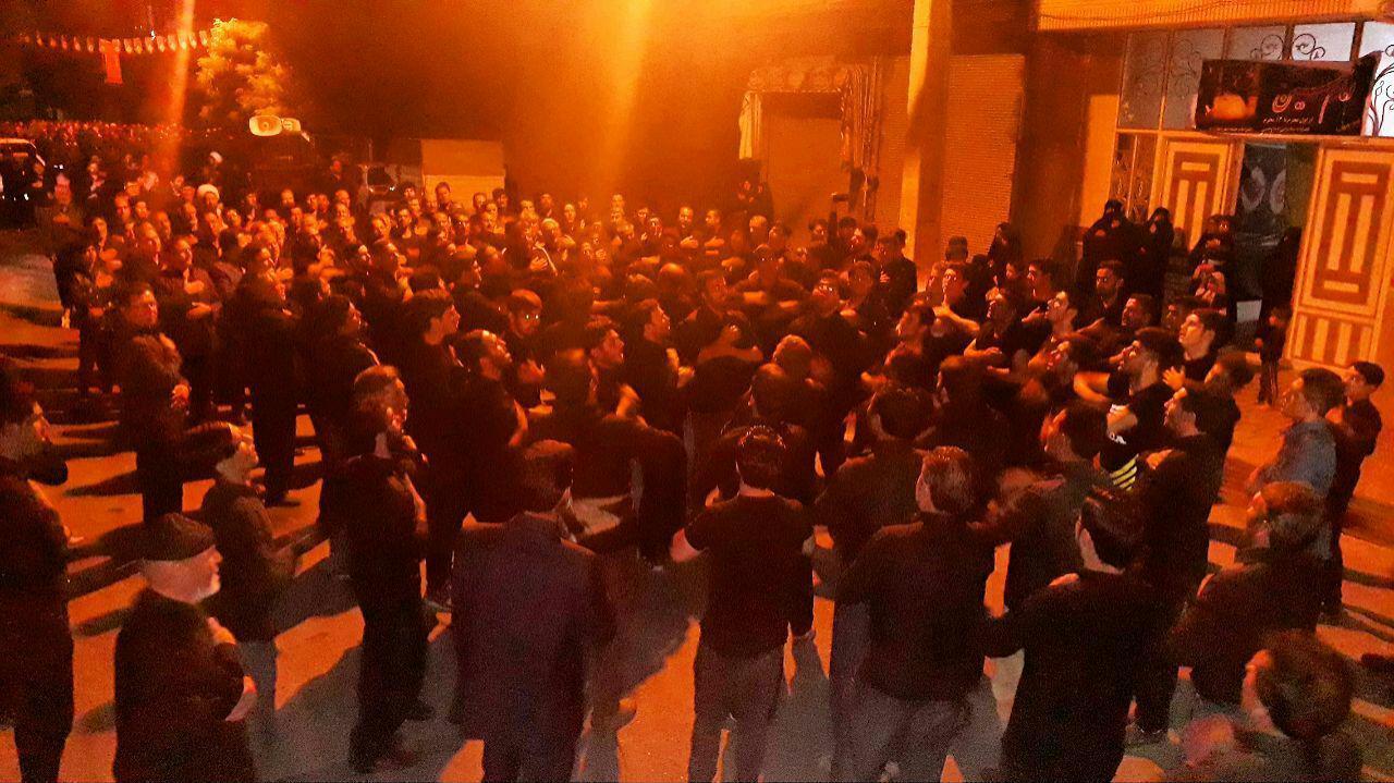 سوگواری شام غریبان در خیابانهای چهاربرج + فیلم