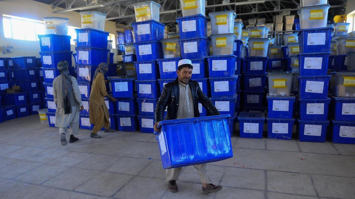 مواد انتخاباتی هنوز به 19 ولایت منتقل نشده است