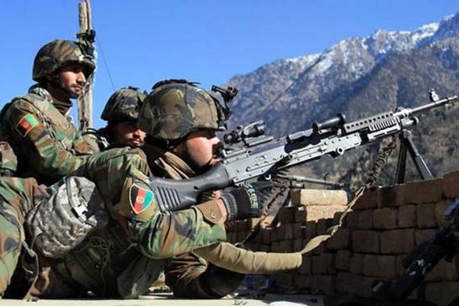 محاصره نیروهای امنیتی افغانستان در دو ولسوالی «فراه» توسط طالبان