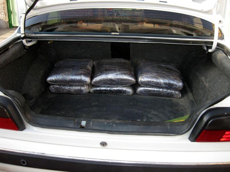 حمل ۱۱۴ کیلوگرم تریاک در پوشش مسافرت خانوادگی