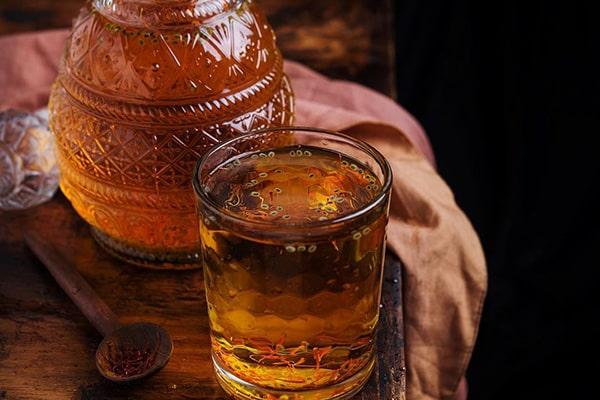 شربتی انرژی زا که نشاط را ب شما بازمیگرداند/ بی اشتهایی کودکانتان را با ترکیب عسل و گلاب درمان کنید