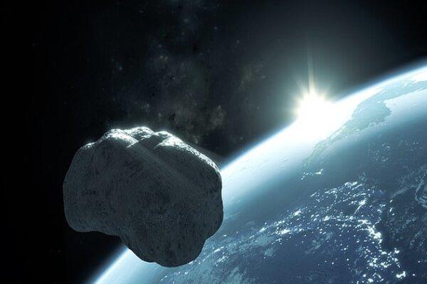 فردا صبح سیارکی از کنار زمین رد میشود