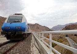 تیبا، قطار قزوین - رشت را متوقف کرد+ فیلم