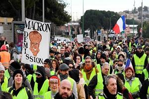 فرانسویهای معترض باز هم به خیابانها آمدند