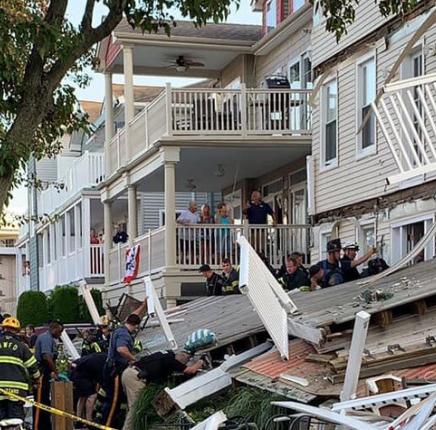 ۲۲ مجروح بر اثر فروریختن بالکن یک ساختمان در نیوجرسی
