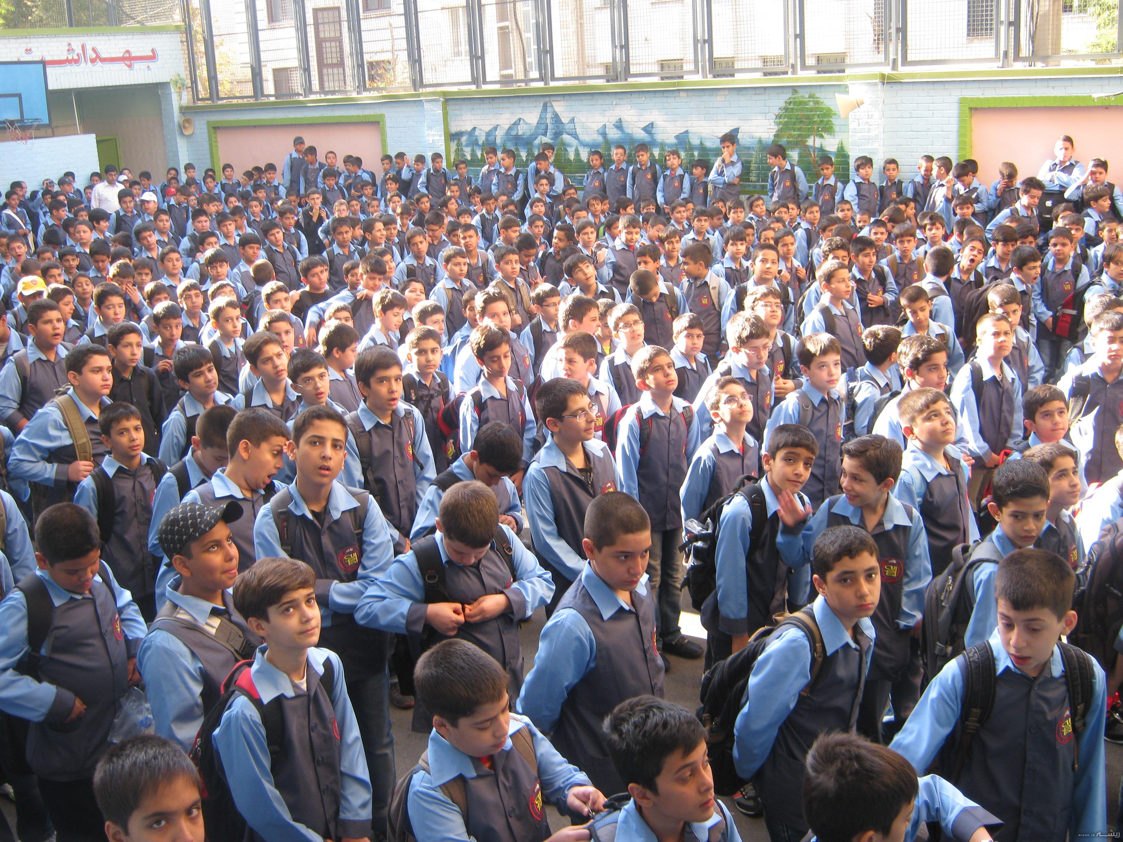 اجرای طرح «مشق عشق» به منظور تهیه لوازم التحریر دانش آموزان/۱۲ هزار دانش آموز تحت پوشش بهزیستی استان تهران هستند