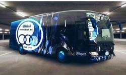 حمله به اتوبوس باشگاه استقلال با سنگ + فیلم