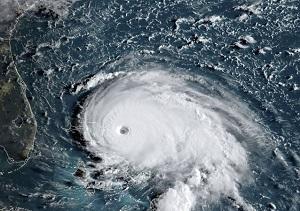 باشگاه خبرنگاران -اعلام وضع اضطراری در سواحل جنوب شرق آمریکا با ورود توفان هامبرتو